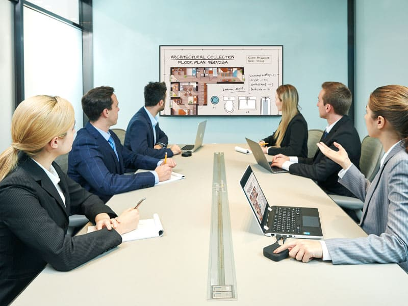 PC-free meeting room displays fit all types of meeting rooms with a wide range of sizes.