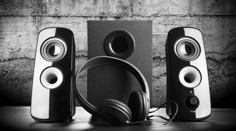 Monitors have speaker arrangements that deliver more than enough sonic quality.