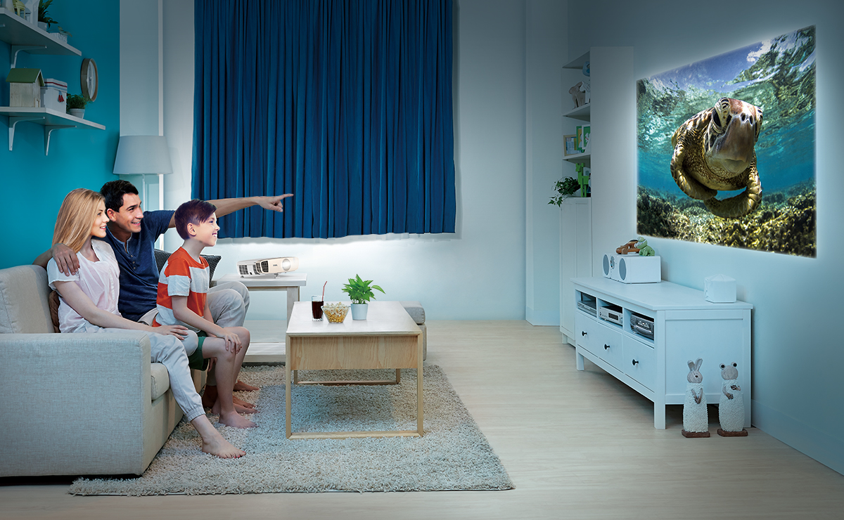 Use your BenQ W2000 1080p projector in a small room thanks to its short-throw lens technology.