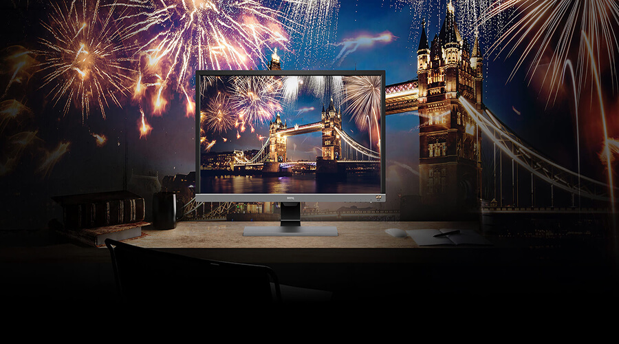 The monitor supports HDR resolution and shows the high quality image of fireworks at tower bridge in London.