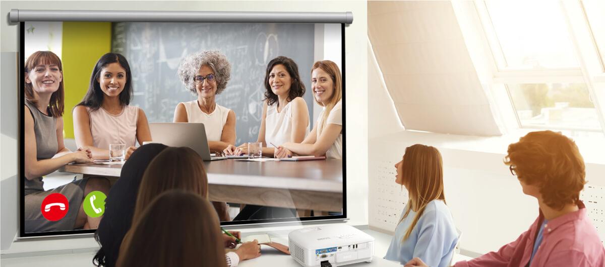 mulailah video konferensi kapanpun. terhubung hanya dengan satu klik.