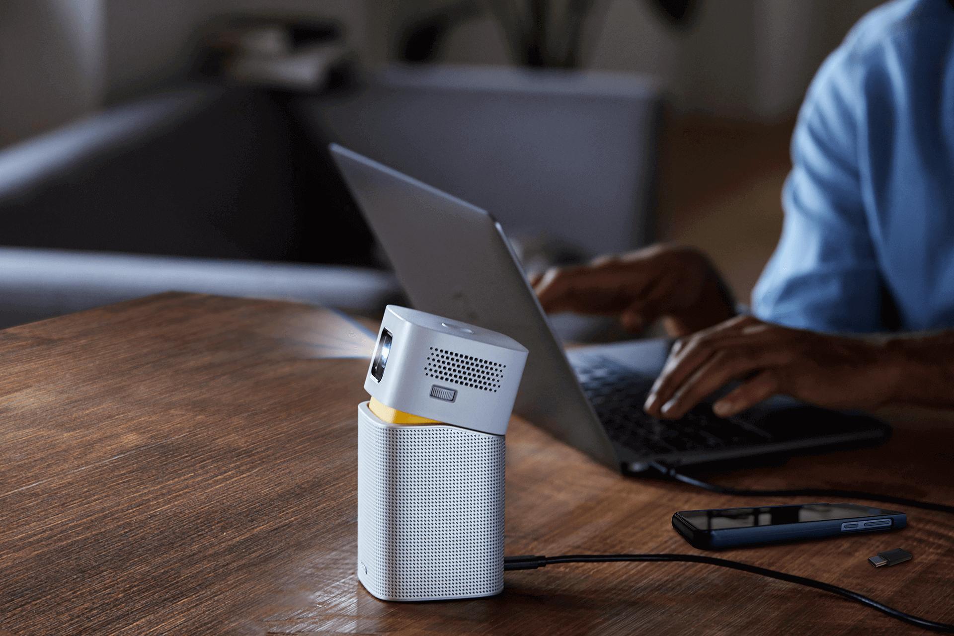 筆電投影機